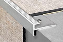 quick step lames pvc livyn accessoire qsvstpclicksilvme200 quick step profil d 39 escalier click. Black Bedroom Furniture Sets. Home Design Ideas