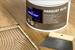 quick step parquet contrecoll accessoires pour l 39 installation des parquets. Black Bedroom Furniture Sets. Home Design Ideas