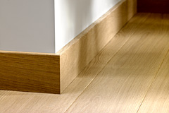 Parquet contrecoll quick step accessoire qswppskr plinthe parquet replaqu quick step for Plinthe renovation