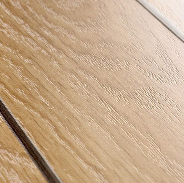 Design salle de bain avec parquet pont de bateau quick for Parquet salle de bain quick step